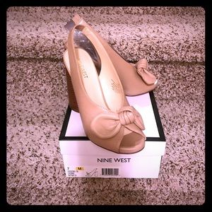 Nine West BNIB Luciano natural color size 7